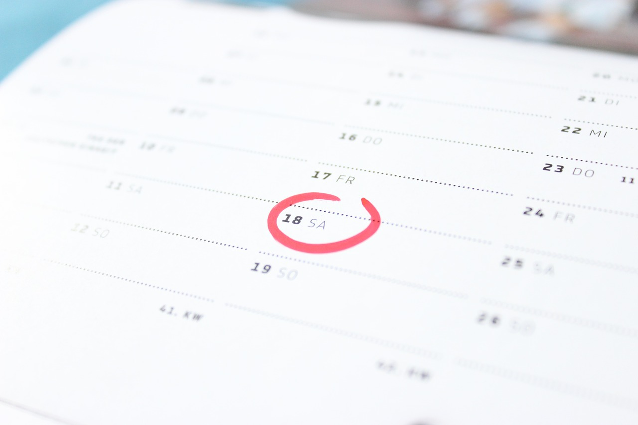 【チェックリスト付】オフィス移転(引越し)は、どの業者に任せればいい?「必要な手続き」や「準備期間」は?