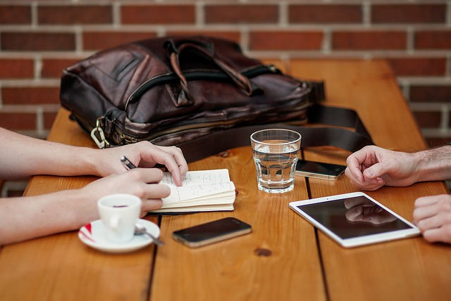 business-meeting-1238188_640