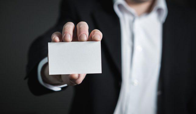 名刺など社内印刷物の住所変更も忘れずに(business-card)