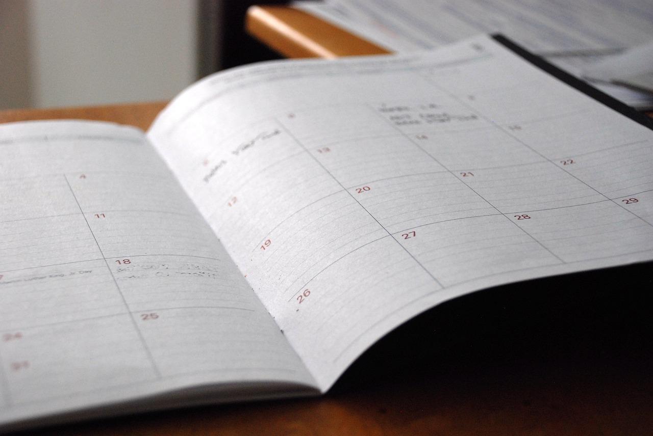 会社・オフィス・事務所の引越し費用を安くする方法:土日と平日、いつ引越したらいいの?