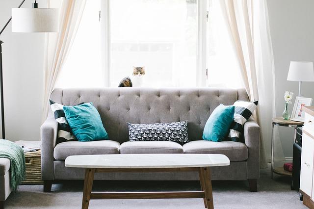あなたのソファーは組み立て式? それとも、、