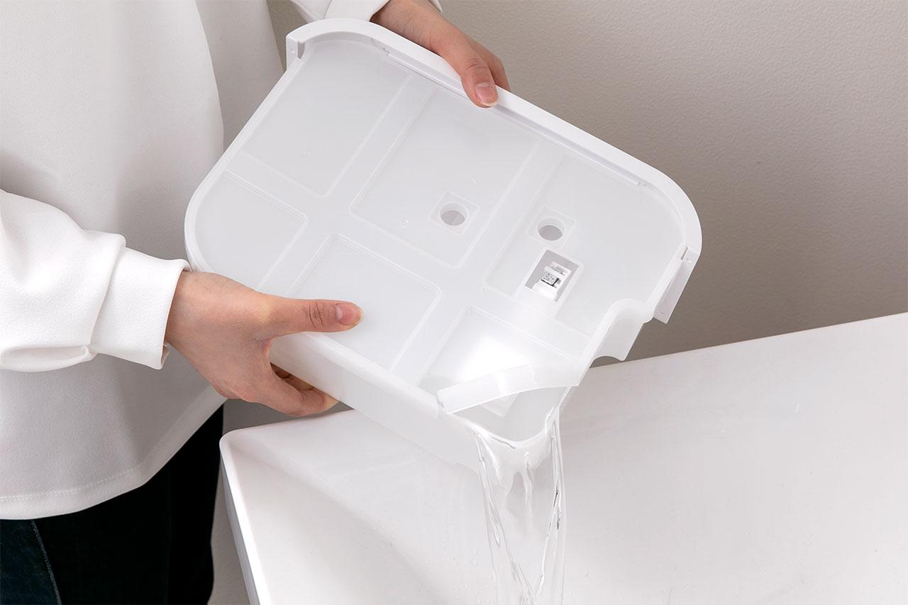 サーキュレーター衣類乾燥除湿機のタンクは排水しやすい