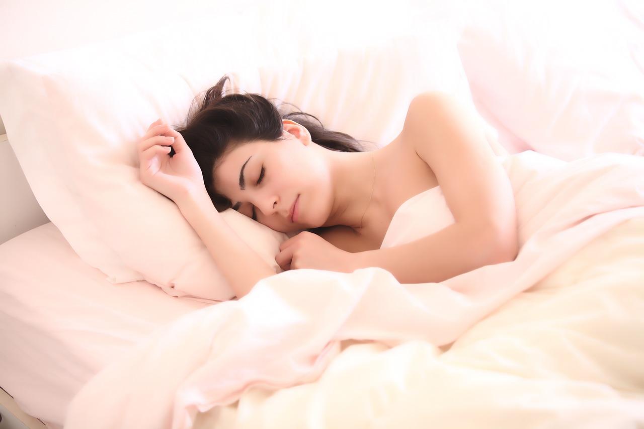 風水を取り入れたインテリア!寝苦しい夜に熟睡しやすい部屋づくりを