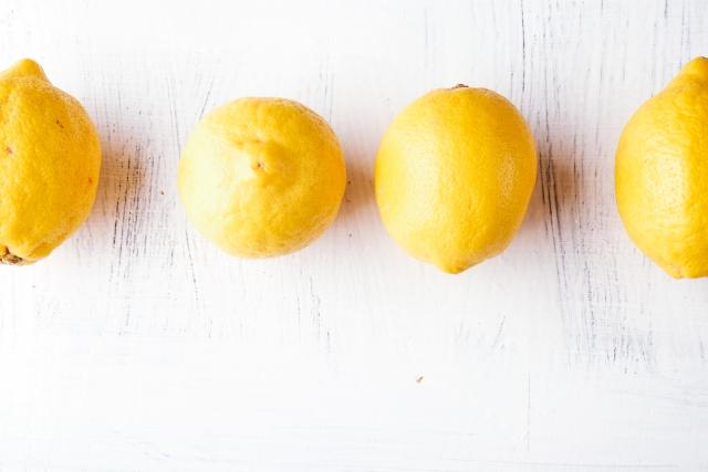 レモンといえば「ビタミンC」というイメージがありますが、それだけではありません。 レモンの「すっぱい」の元になるクエン酸は、疲労回復に欠かせない成分です。